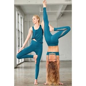"Alo Yoga Airbrush legging High Rise 28"""
